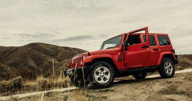 SUV rouge